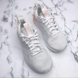 ADIDAS Sneakers Cloud Foam White Peach Size 6.5